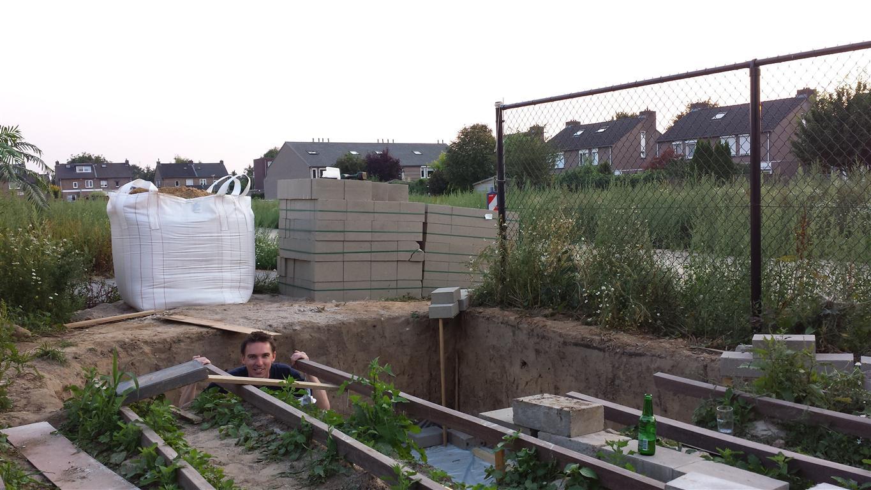 Atmoz 39 a v casa nieuwe tv wand for Ingebouwd zwembad zelf maken