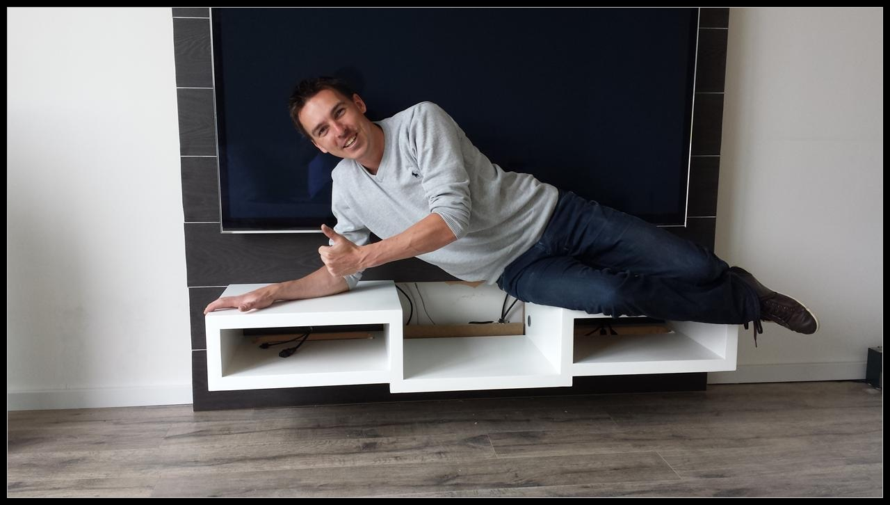 Onderwerp: TV-wand + zwevend AV meubel